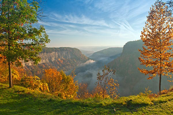 49012665b Great Bend Overlook At Letchworth State Park In New York Just After Sunrise.
