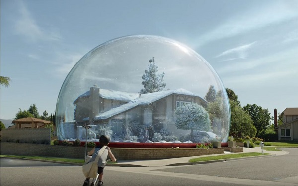 house set in snowglobe